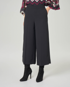 Pantaloni culotte neri in crêpe