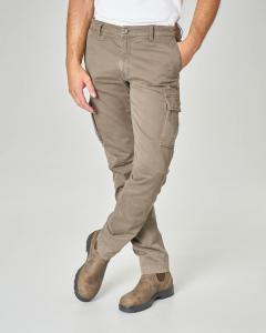 Pantalone tasconato kaki in tessuto stretch