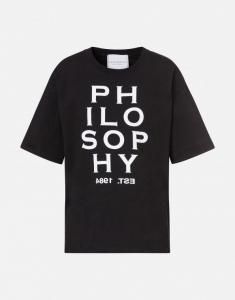 T-shirt nera con logo
