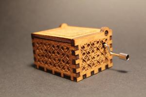 Music Box: Harry Potter light wood Carillon