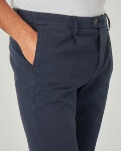 Pantalone chino blu principe di Galles con una pinces