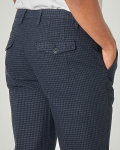 Pantalone chino blu a quadretti in cotone stretch