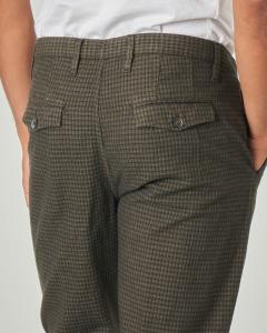 Pantalone chino verde scuro a quadretti in cotone stretch