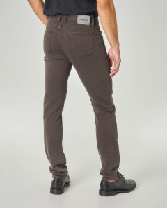 Pantalone cinque tasche marrone in tricotina con toppa