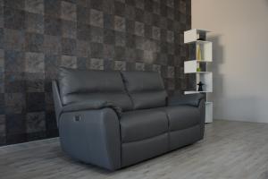 KADEN - Divano relax elettrico in pelle grigio scuro a 3 posti con meccanismi recliner