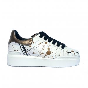 Sneaker bianca/spruzzi/champagne Stau