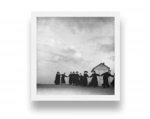 Pretini sulla spiaggia di Rimini, 1953