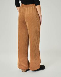 Pantaloni ampi in velluto a coste color cammello con elastico inserito in vita