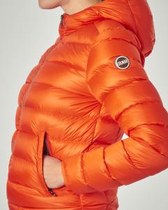 Piumino corto arancione e fodera interna beige con cappuccio