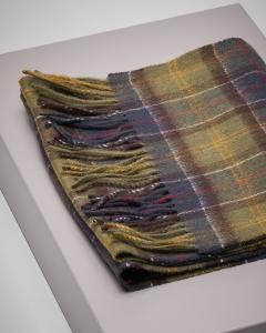 Sciarpa e guanti in lana in tartan check verde