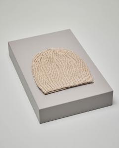 Cuffia beige in misto lana lavorazione punto riso