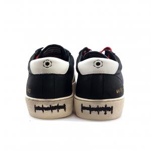 Sneaker nera Playground