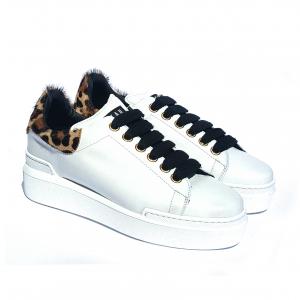 Sneaker bianca con tallone leopardato Stau