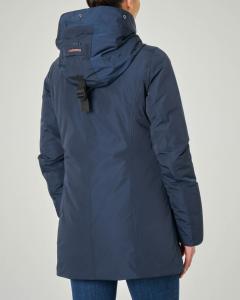 Parka blu con cappuccio fisso con profilo in ecopelliccia
