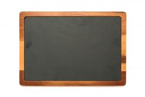 Piatto in ardesia naturale con base e bordo in legno di acacia cm.33x23x1,6h