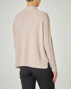 Maglia in lana misto cashmere con collo alto e motivo a trecce