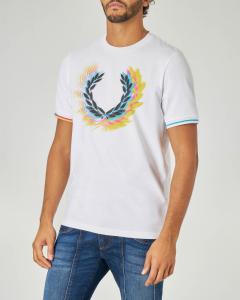 T-shirt bianca mezza manica con stampa grafica multicolor corona d'alloro
