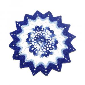 CENTRINO bianco, celeste e blu elettrico all'uncinetto