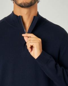 Maglia lupetto blu in cotone e lana con zip nascosta