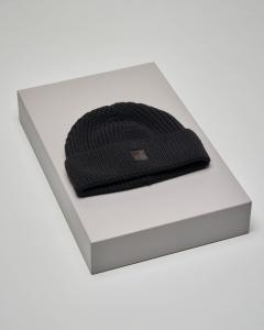 Berretto nero in maglia di lana con risvolto e nuovo logo