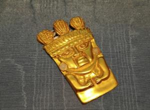 Ciondolo Maschera di cultura Inca-Chimü della Luis Alberto Cano