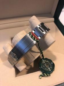 Orologio mai indossato  con pellicole Rolex Sea-Dweller Deepsea
