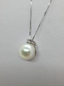 Collana Girocollo Oro bianco 18 kt con ciondolo Perla e diamante naturale taglio Brillante