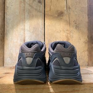 Scarpa Adidas Yeezy Boost 700 V2 Geode