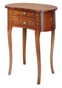 Pequeña mesa de rincón con patas