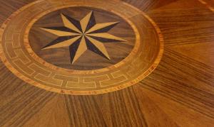 Mesa redonda de artesanado italiano pata central, diámetro 90 cm