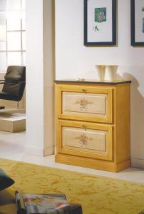 Mueble zapatero amarillo con flores