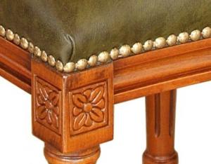 Silla de madera con cuero