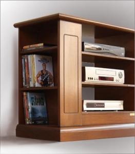 Mueble de tv puerta vitrina y vano en madera