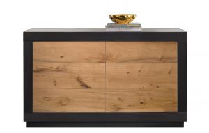 Aparador estilo moderno negro y puertas en madera natural