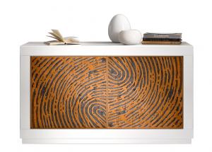 Aparador moderno bajo con decoración impronta