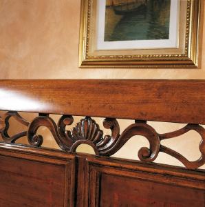 Cama matrimonial en madera Venecia
