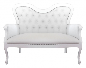 Sofa de madera lacado respaldo abotonado