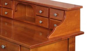 Mesa de despacho en madera con cajones frontales
