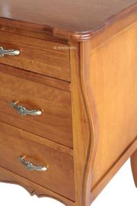 Cómoda clásica almacenaje dormitorio