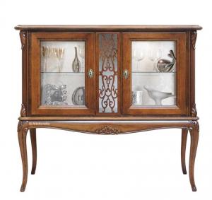 Vitrina baja estilo clásico patas en madera Elegance