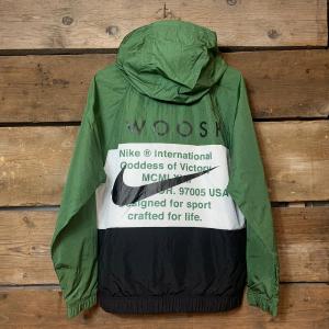 Felpa Nike in Woven con Cappuccio Bianca Nera e Verde Militare