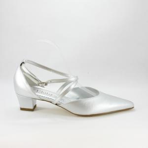 Scarpa donna elegante da sposa e cerimonia  in pelle argento con cinghietta incrociata regolabile Elata cod.S2817