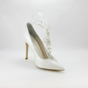 Accessorio per scarpe realizzato in cristalli e strass.