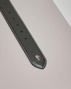 Cintura nera in pelle martellata con fibbia in metallo