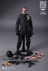Hot Toys The Dark Knight: JIM GORDON (swat suit) MMS182