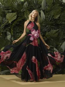 Abito lungo cerimonia donna a fantasia con scollatura all'americana e applicazione fiore.