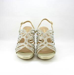 Sandalo cerimonia donna elegante in tessuto glitter oro con cristalli color opale e cinghietta regolabile.