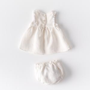 Abitino neonata in lino biologico con inserti in pizzo e culotte