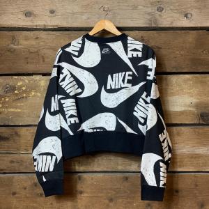 Felpa Nike Sportswear Crop Girocollo con Logo Brand Bianco su Nero