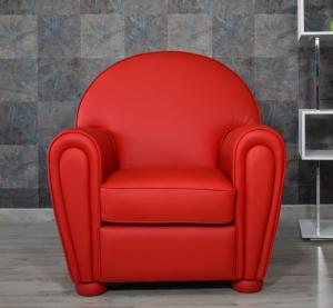 MALACHI - Poltrona modello Frau in pelle di colore rosso.